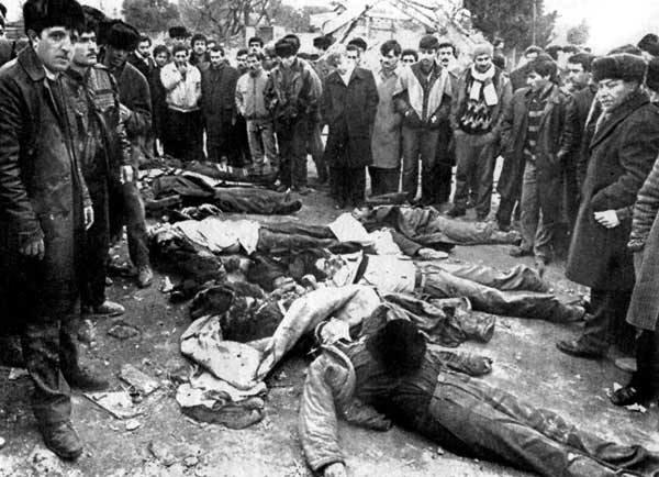 #TarihteBugün Sovyet birlikleri,Ermenileri korumak iddiası ile Bakü'ye...