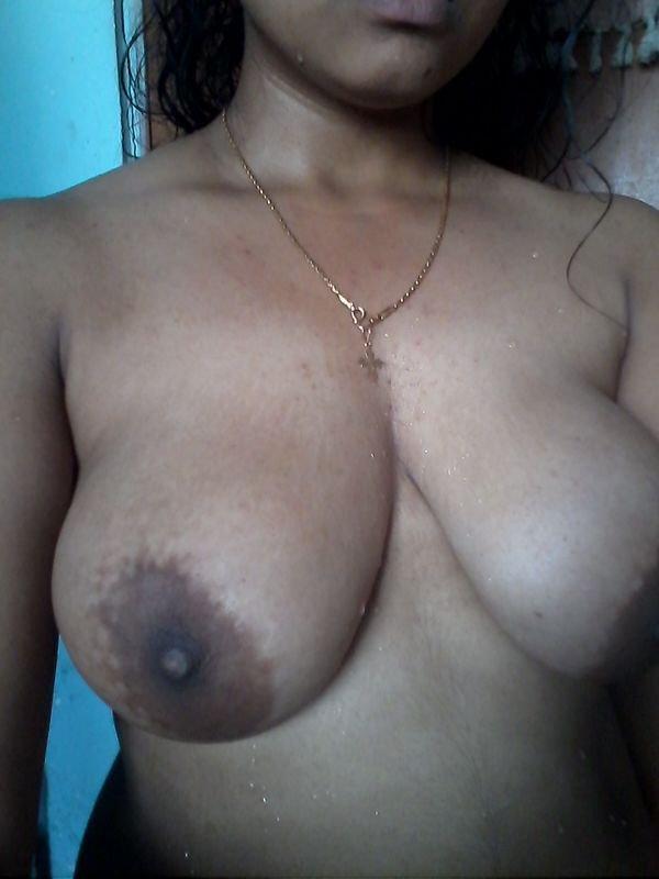 Nude Selfie 10334