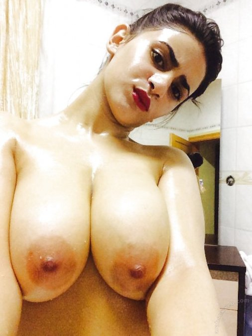 Nude Selfie 10356