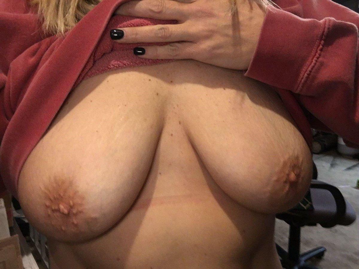 Nude Selfie 10372