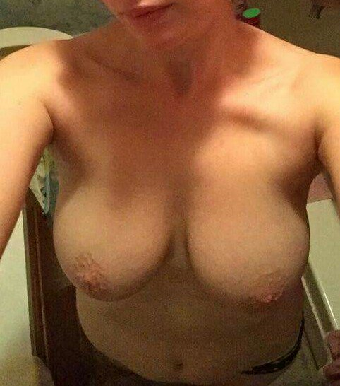 Nude Selfie 10366
