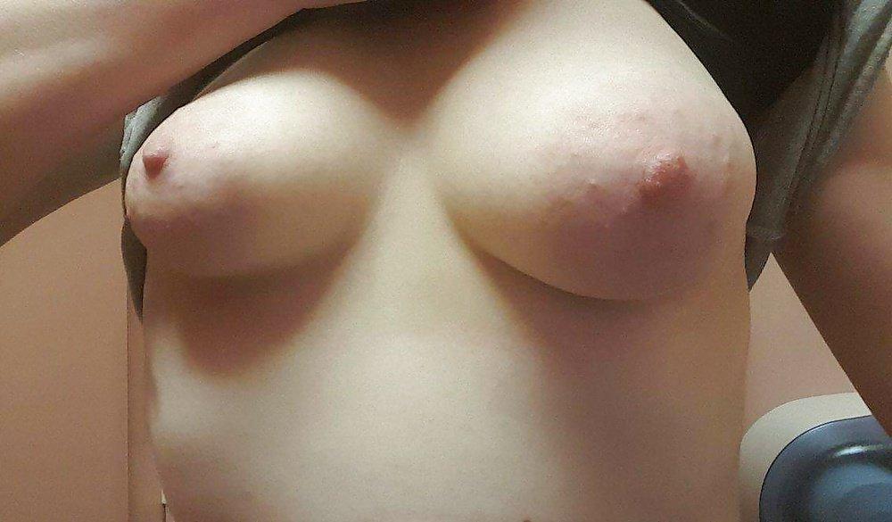 Nude Selfie 10368