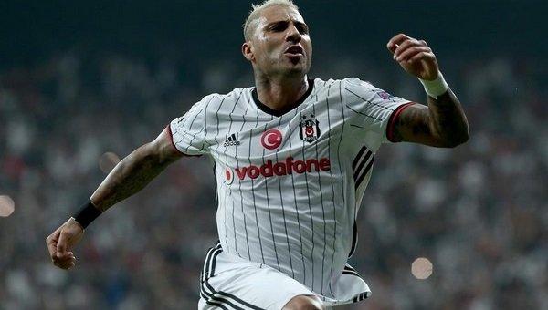 Beşiktaş, Ricardo Quaresma'nın sözleşmesini uzattı. https://t.co/ca95M...
