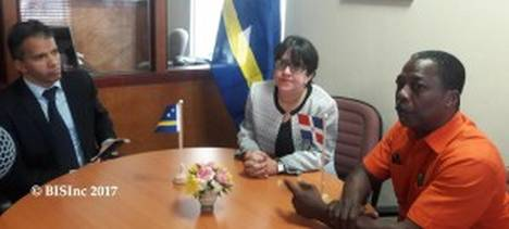 #Trade and #investment #agreement signed between #Curacao and the #DominicanRepublic  http:// bit.ly/2jFQKT8  &nbsp;   #caribbeannews<br>http://pic.twitter.com/yyX6RIGoch