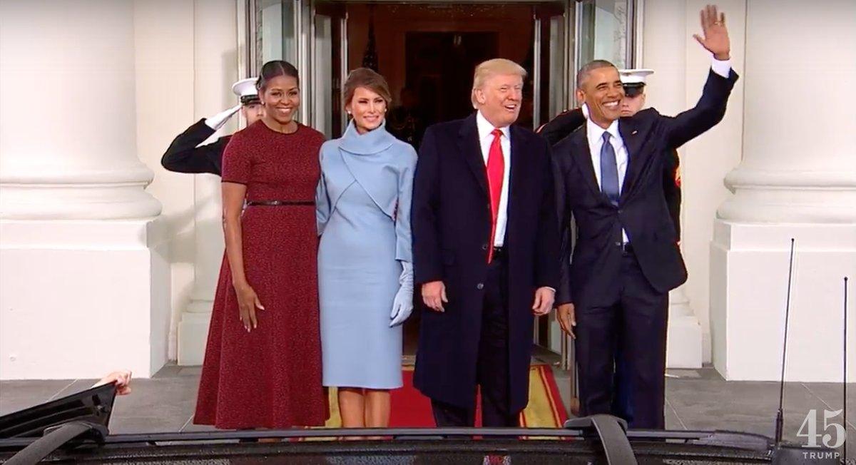 C'est pas la première fois qu'une famille blanche mettra une #famille noire en dehors de sa #maison…aux USA!#Trump prend la #Barack!#America<br>http://pic.twitter.com/IjNcZ6bZof