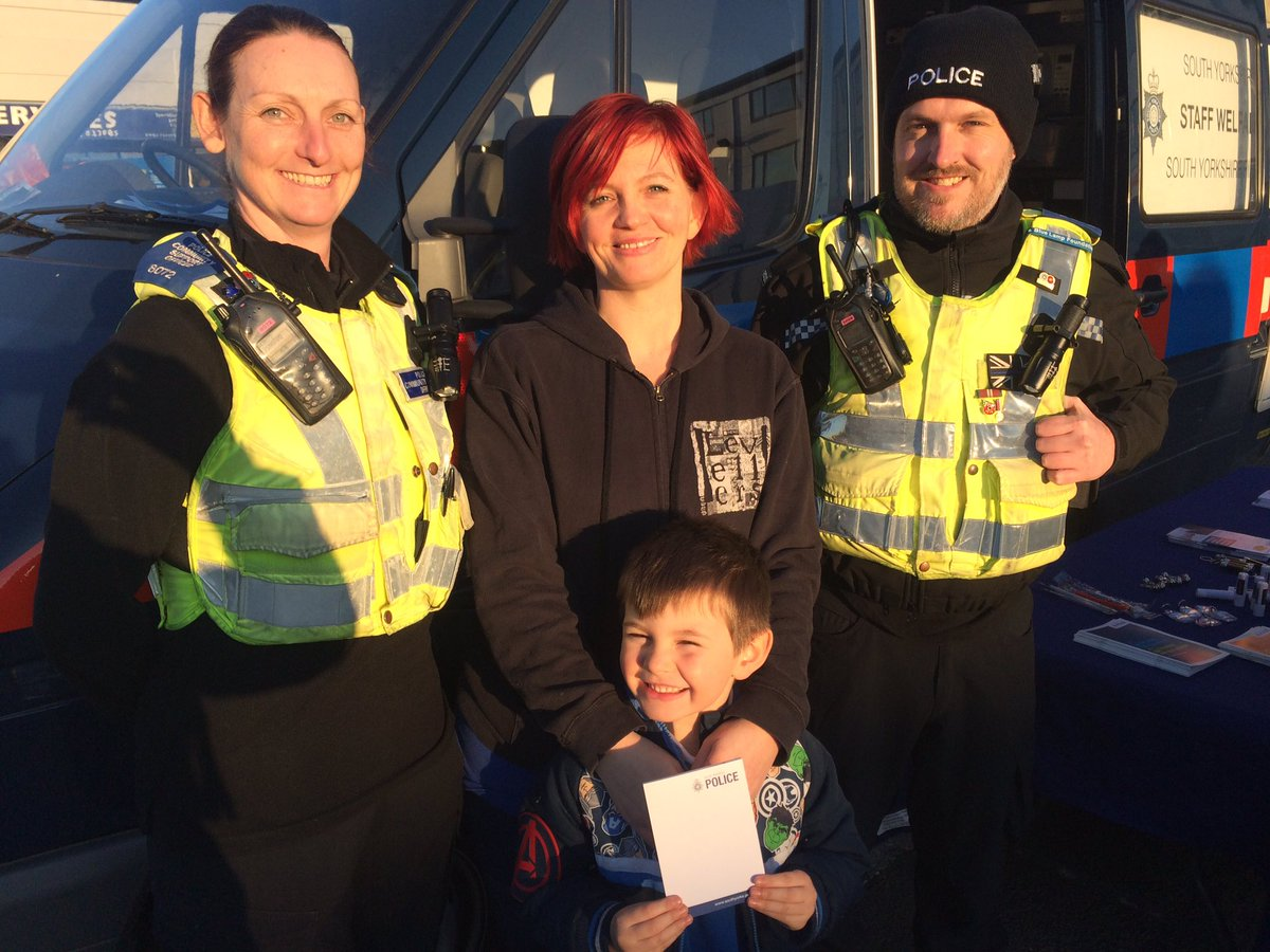 south yorkshire police stayalert on twitter someone is happy with his syp notepad pcsos clarke gough are in armthorpe mill street shopping area until 4pm opduxford doncaster https t co qjeorvkjrb twitter