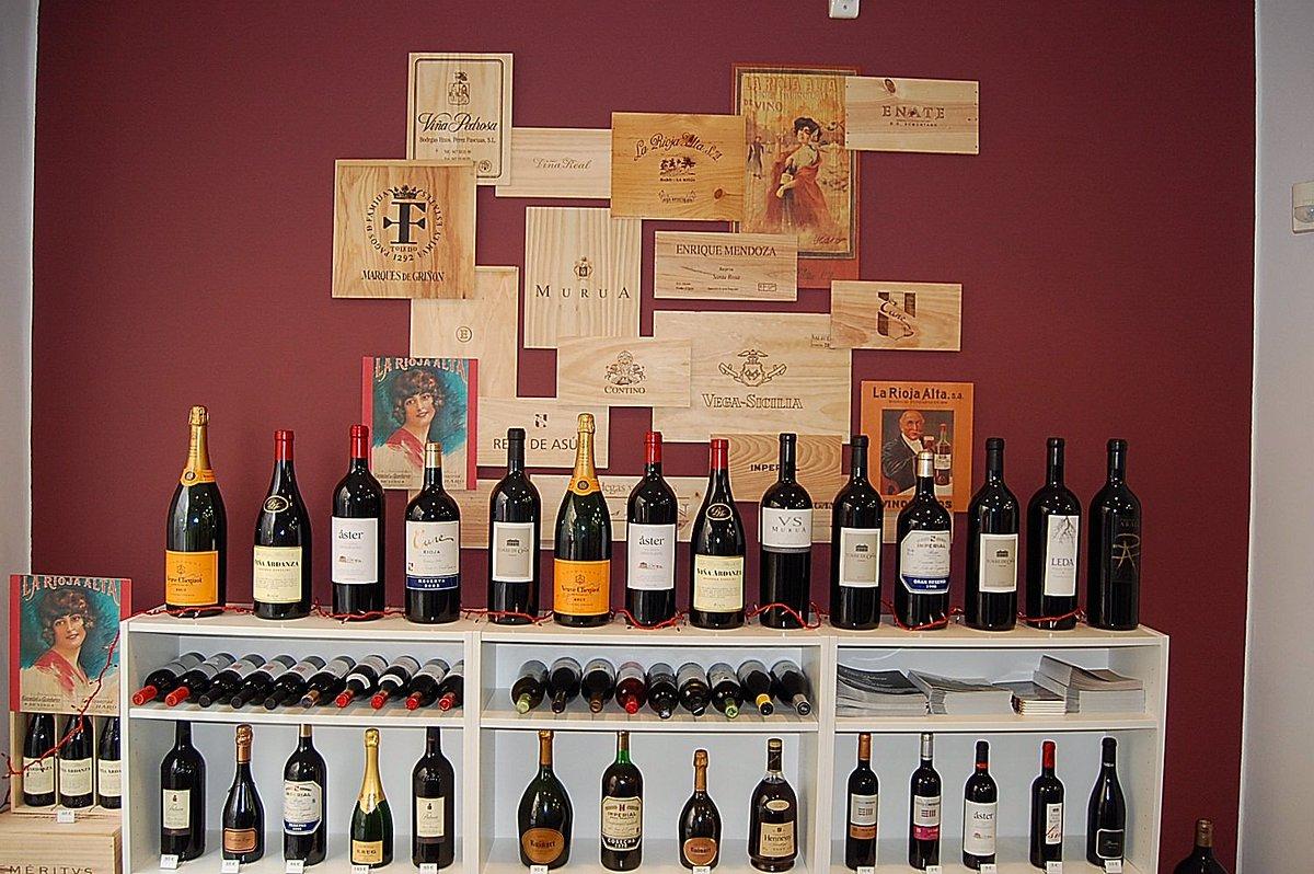 ¿Conoces nuestro #showroom de #vinos, #champagnes y #espirituosos premium? Ven a visitarnos en Duque de Calabria,18:  http://www. dicoval.com / &nbsp;  <br>http://pic.twitter.com/WbJXlYv9jk