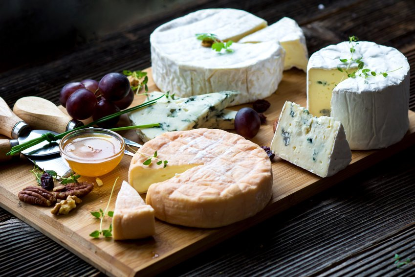 #Friday AND #NationalCheeseLoversDay what a treat!? What's your favour...