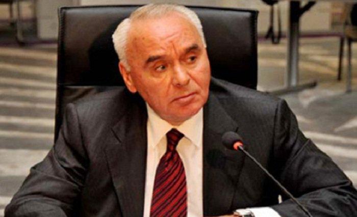 «#Azerbaïdjan établit une délégation pour les #négociations sur un nouvel accord avec l&#39;#UE»  http:// fr.azvision.az/%C2%ABAzerba%C 3%AFdjan-%C3%A9tablit-une-d%C3%A9l%C3%A9gation--33142-xeber.html#.WIIFxPsmm9o.twitter &nbsp; … <br>http://pic.twitter.com/ggL4Y9ZNkM