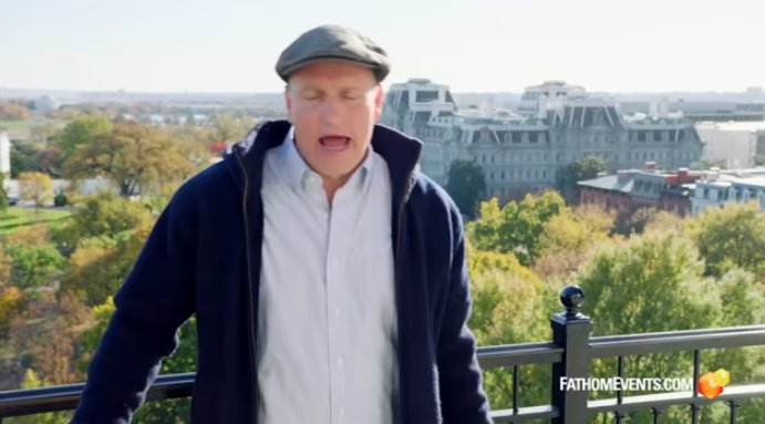 LOST IN LONDON Official #Trailer (2017) Woody #Harrelson, Owen #Wilson LIVE...  https:// youtu.be/IEnlNGDhIPs  &nbsp;   via @YouTube<br>http://pic.twitter.com/F9EZrFdvr6