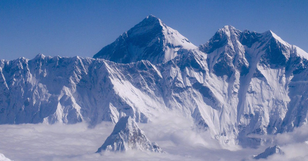 Avalanches becoming more common, due to #climate change  https://www. washingtonpost.com/news/worldview s/wp/2017/01/19/avalanches-are-becoming-more-common-thanks-to-climate-change/?utm_term=.2ee0359ada97 &nbsp; …  <br>http://pic.twitter.com/7LSoMl3Nmx @mike_pence (US VP) @Rex_Tillerson_