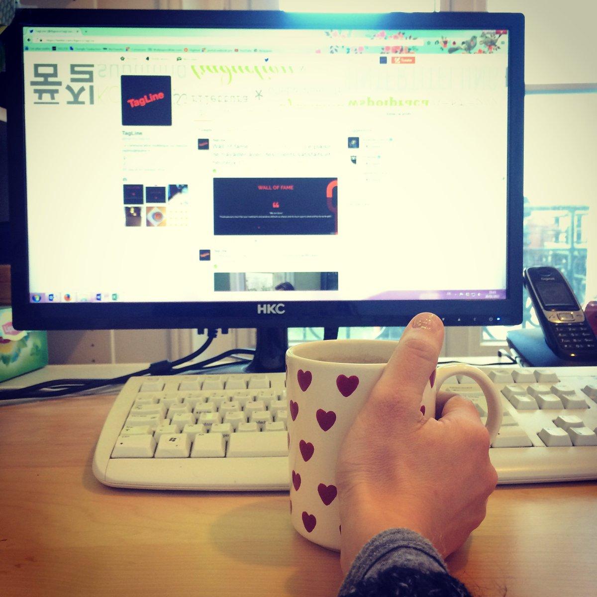 Avec ce #froid rien de mieux qu&#39;une bonne #tasse de #thé pour réchauffer les #coeurs et les #mains! @AgenceTagLine #vendredi<br>http://pic.twitter.com/zG6PGS4DPg