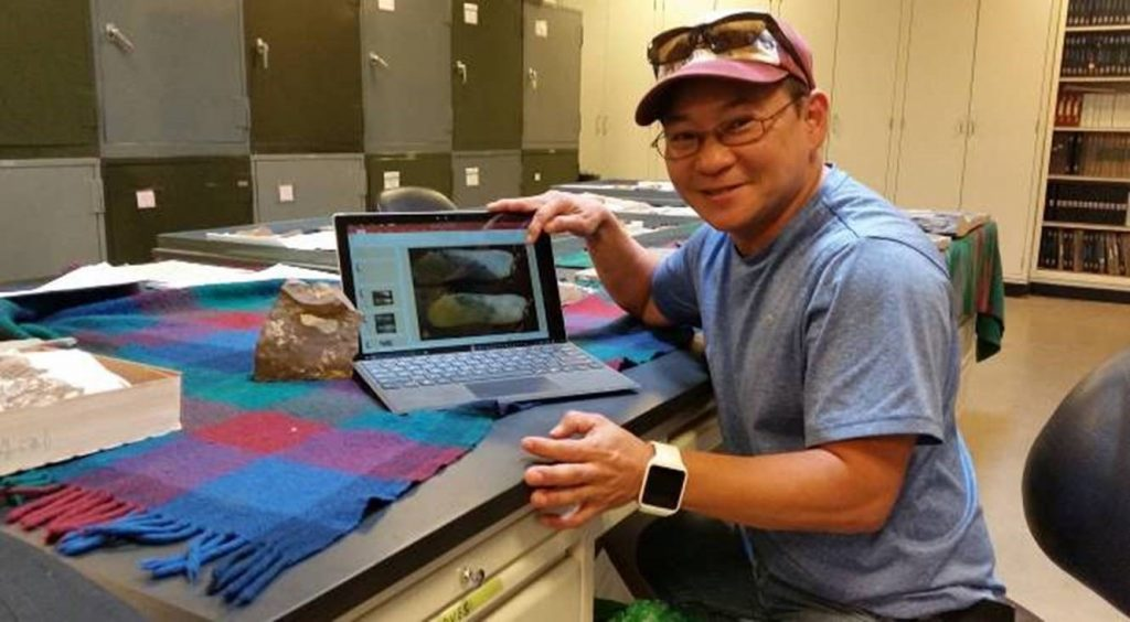 Why PhD student Soon Flynn loves his Surface Pro4 https://t.co/1SGnyV...
