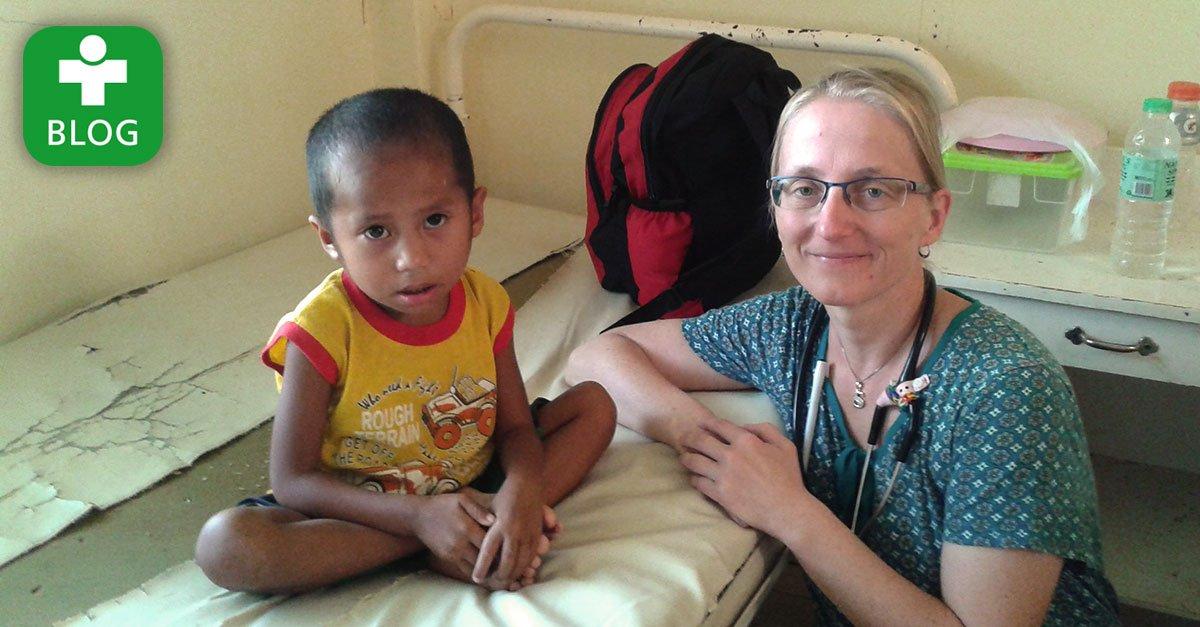 """""""So viele hungernde Kinder..."""" - Dr. Sandra Haghir berichtet auf unserem Blog von ihrem Einsatz auf #Mindanao: https://t.co/W3NagUA0cU https://t.co/5R8rAHsJoX"""