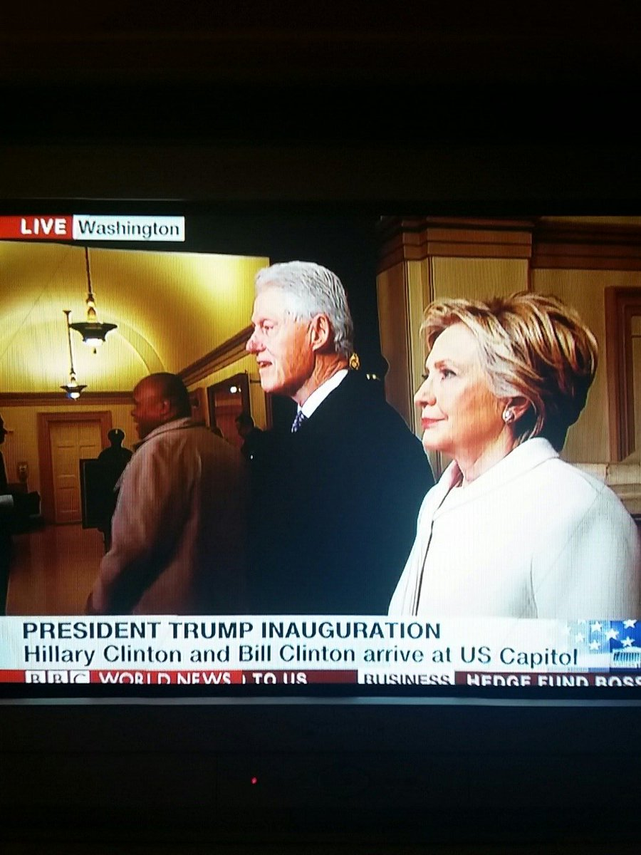 #InaugurationDay @HillaryClinton , she is present, #dignity  #TraditionContinues https://t.co/gBnawxseOU