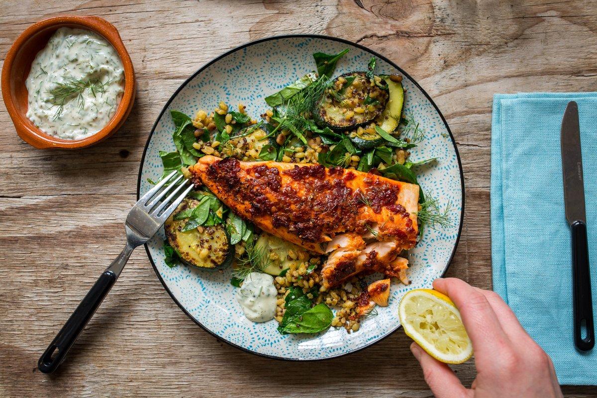 Dieses Gericht ist ein Sammelsurium aromatischer Geschmacksnoten von Chili über Knoblauch bis Harissa! http://ow.ly/t6Zh3083cFp #fishfriday