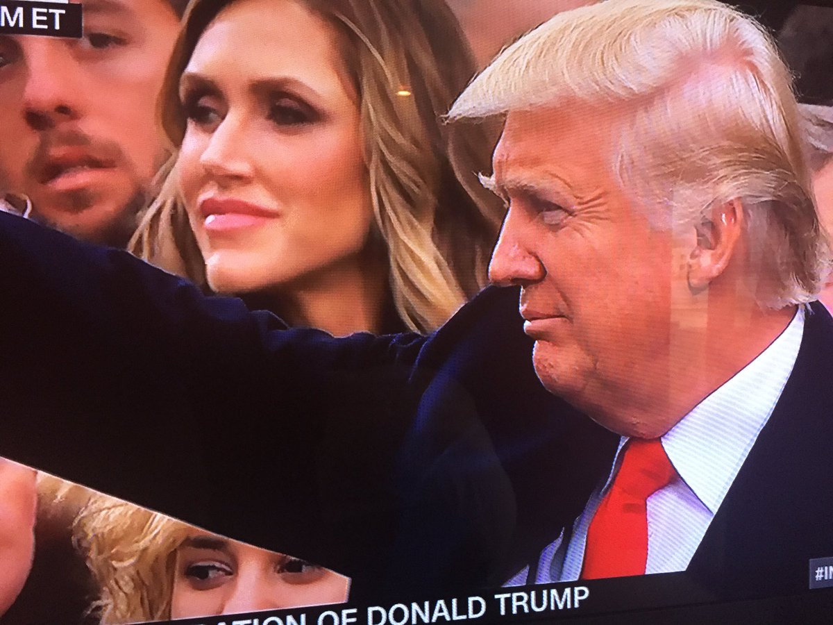 Nazi salute. We're off to a good start... #Inauguration https://t.co/N...