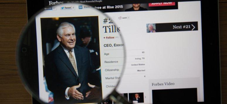 [Tribune] &quot;Au moins un proche de #Trump connaît l'#Afrique...celle des champs de #pétrole&quot; Par B. Augé #RexTillerson  http:// bit.ly/2iK8E7Z  &nbsp;  <br>http://pic.twitter.com/mG0koKwJiw