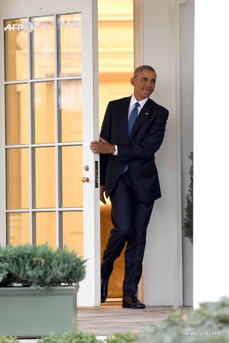 Emotion. Quelques larmes aussi... #BarackObama #WhiteHouse  Photo : @JimWatson_AFP<br>http://pic.twitter.com/vTKsA0QXzQ