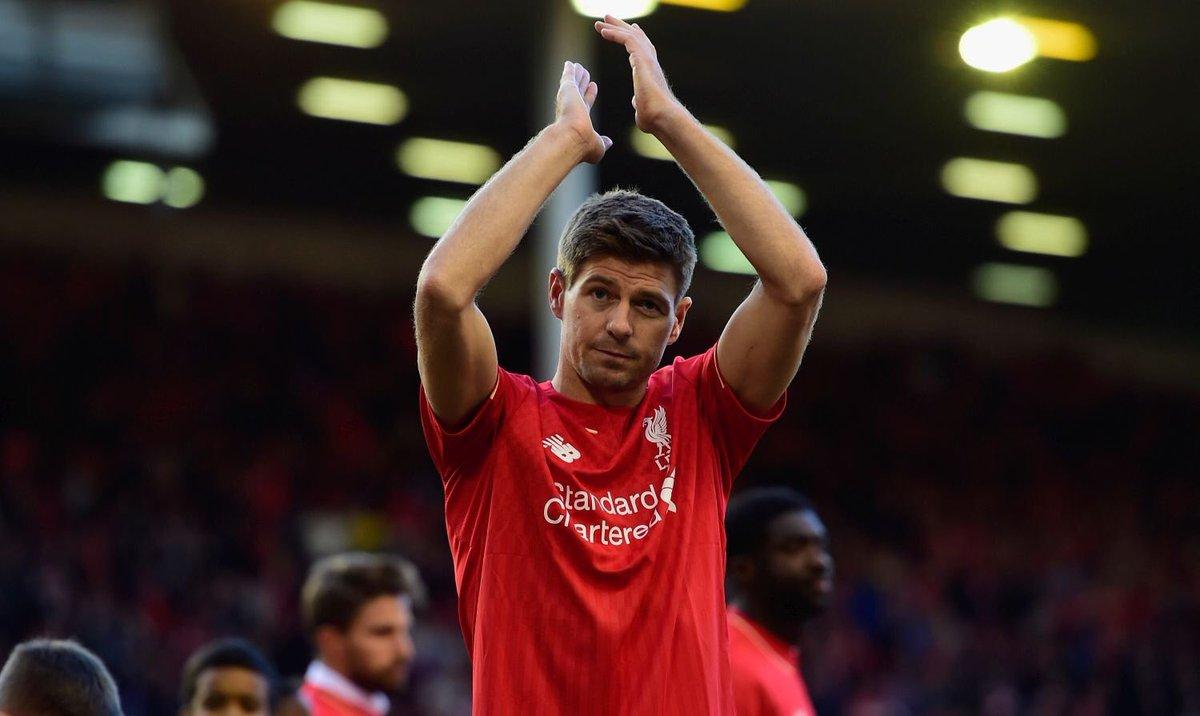 Steven Gerrard, Liverpool'a geri döndü ve genç takımın başına geçti. Y...