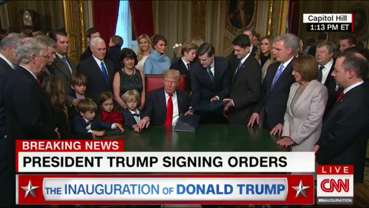 White House so white. https://t.co/KTmbimc2YY