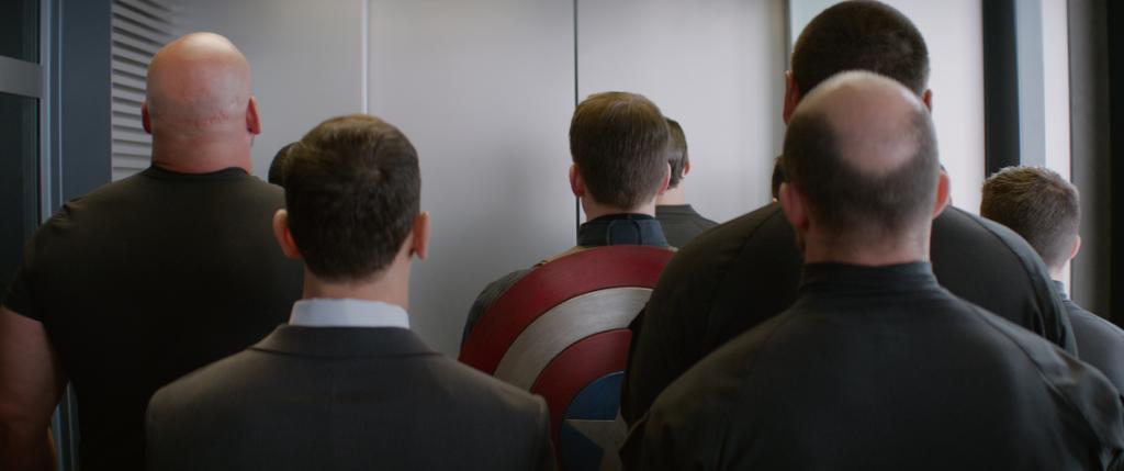 Tutti in fila, su @RaiDue alle 21.20 c'è il film #Marvel #CaptainAmeri...