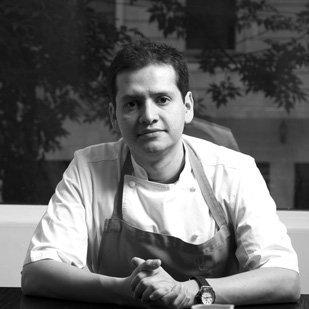 Ahora tenemos a @javallejo un chef orgullosamente mexicano a través de...