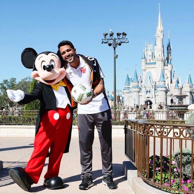 RT @garcialuan93: Só tenho que agradecer muito ao Vasco por realizar mais um sonho de infância! #FloridaCup https://t.co/mA6F2rVXkT
