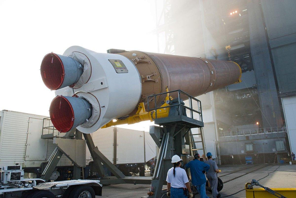 Depuis le cosmodrome de Floride a lancé une fusée Atlas V avec la guerre compagnon:  https:// life.ru/962521  &nbsp;   <br>http://pic.twitter.com/OcVYFlz5Fa #Russie