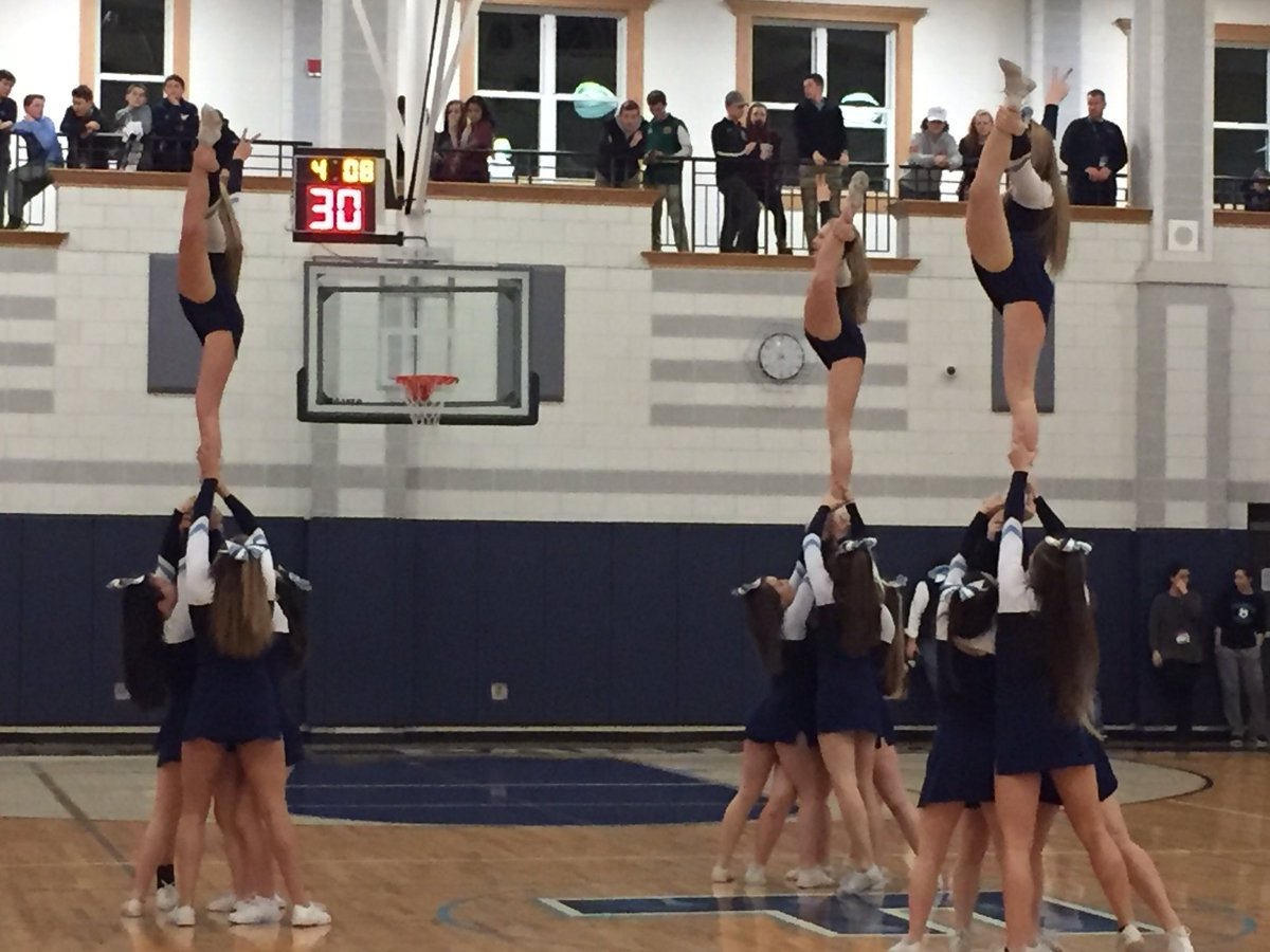 Panther Cheerleaders Rockin the house!