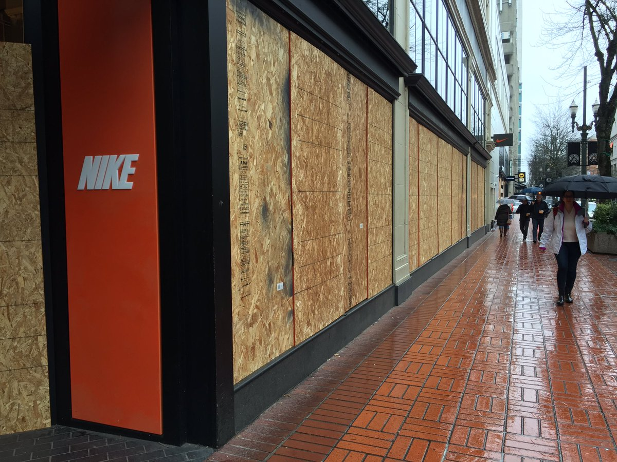 Ric Peavyhouse On Twitter Downtown Nike Store Completely Boarded