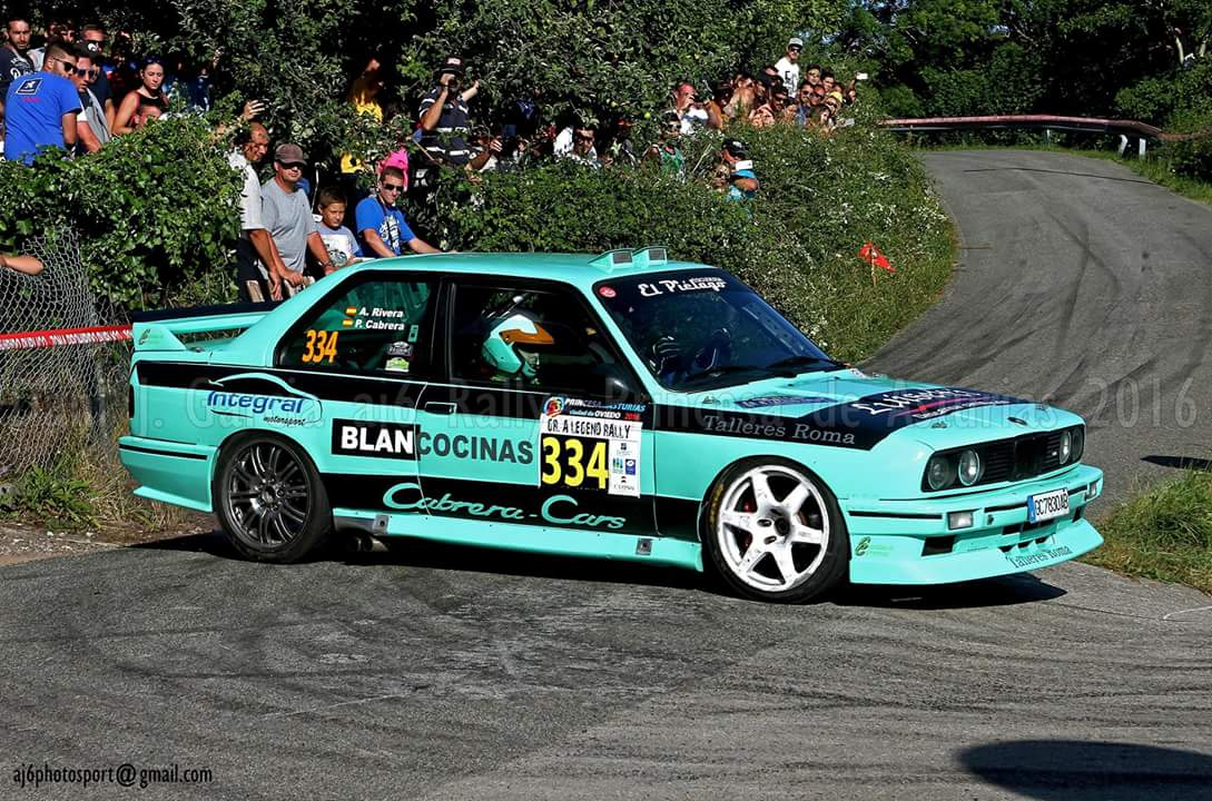 Pablo Cabrera / Alain Gómez nos dejaban bonitas imágenes con M3 E30 en el IV @GrALegendRally 2016.  #Rally #BMW #CERA #M3E30<br>http://pic.twitter.com/sHAvbVCoYG