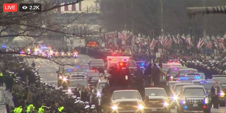 LIVE from President Donald Trump's Inaugural Parade https://t.co/UyHAQ...