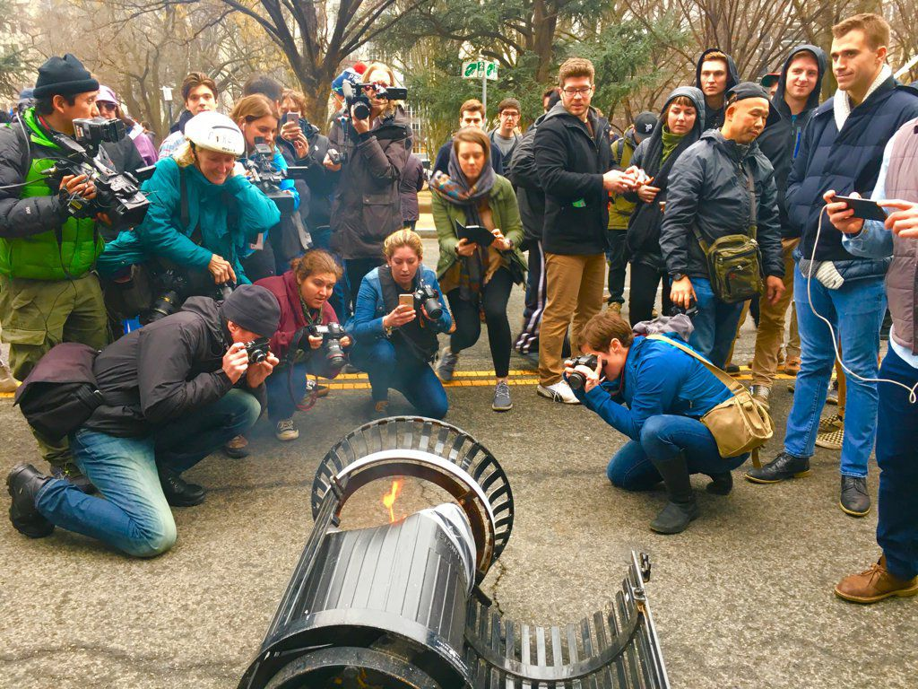 Grasping for Metaphor, Reporters Flock to Burning DC Garbage Can https://t.co/g65ZrW2Qdv https://t.co/dDMoLVOSHr