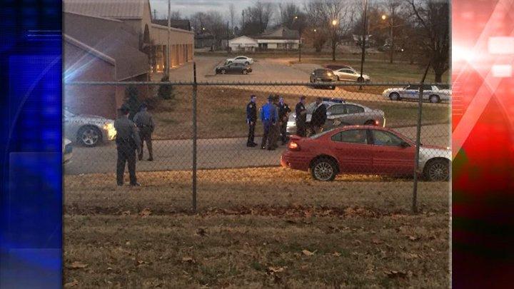 KSP: Two Suspects in Custody in Henderson Following Shooting in Morganfield https://t.co/U2LJumUYsI https://t.co/AzmHI4lIkn