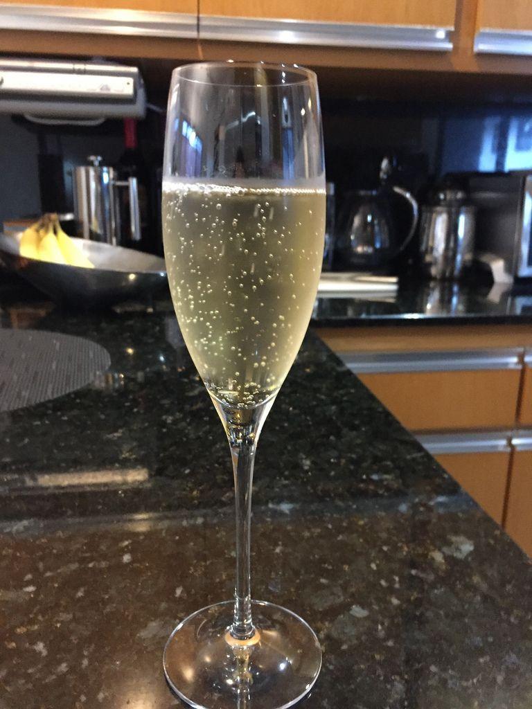 7 #espumantes e #champagnes para acompanhar pratos, momentos e comemorações:  http:// bit.ly/espumante_ou_c hampagne &nbsp; … <br>http://pic.twitter.com/jm8sce5pXj