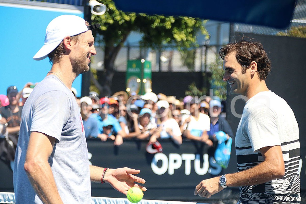 Can you belieeeeve this? Federer practicing w/Seppi when ... Wawrinka is Seppi's next opponent!!!