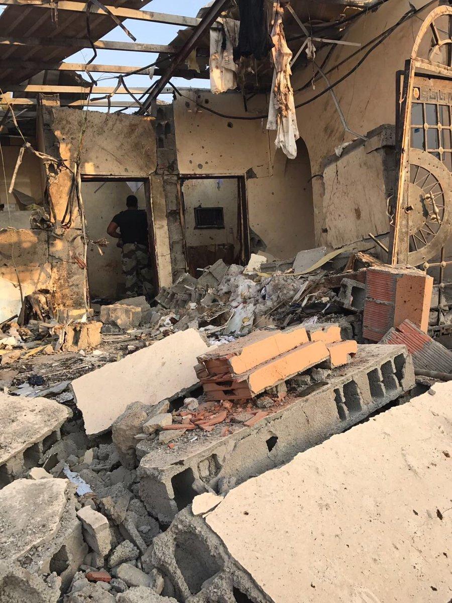 صور أولية من العملية الأمنية بحي الحرازات بجنوب مدينة #جدة والتي انتهت...