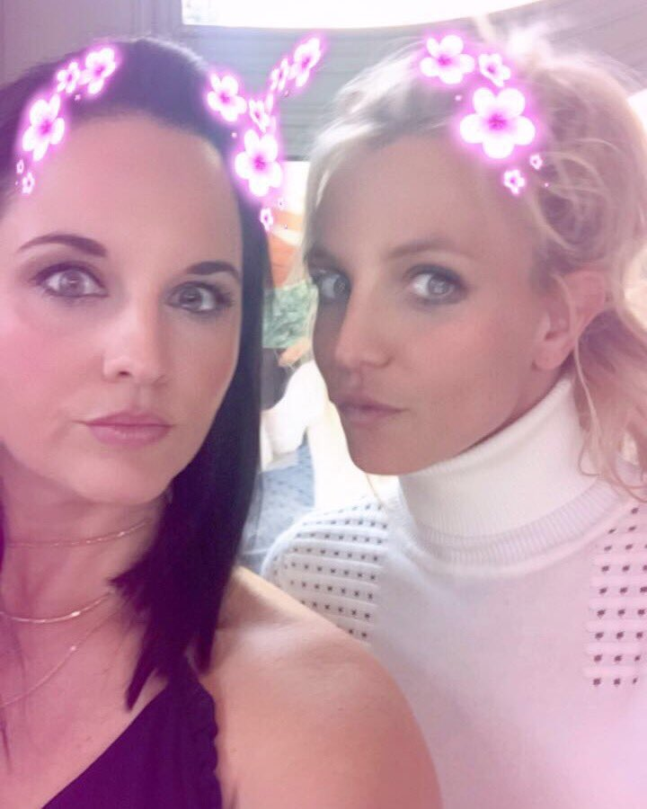 Me and my bestie from Louisiana 🌸 https://t.co/KG170oIyVz