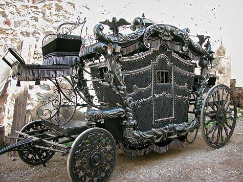 てか昔の馬車すごい