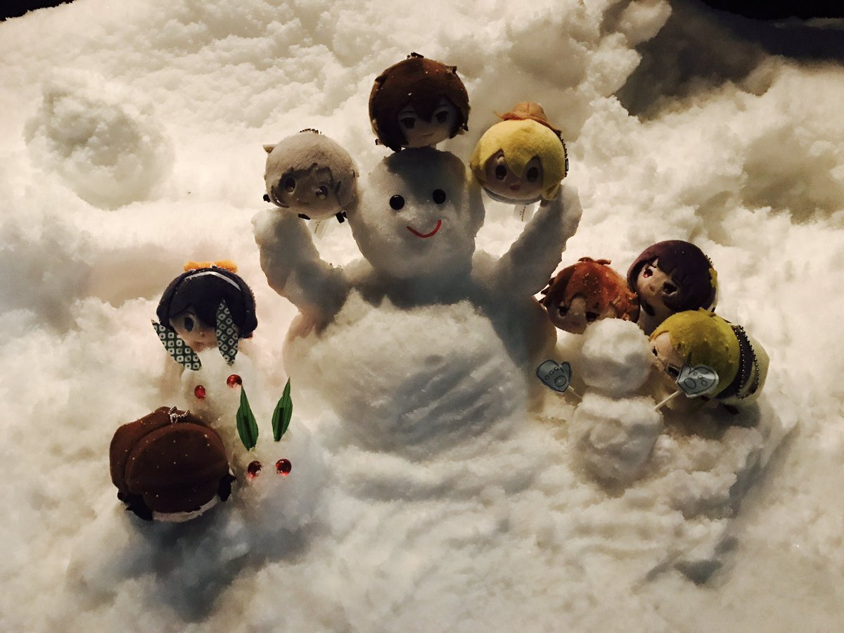 探偵社みんなで雪遊びしました!敦くん雪だるま作れてよかったですね!手袋しました?鏡花ちゃん、乱歩さん…