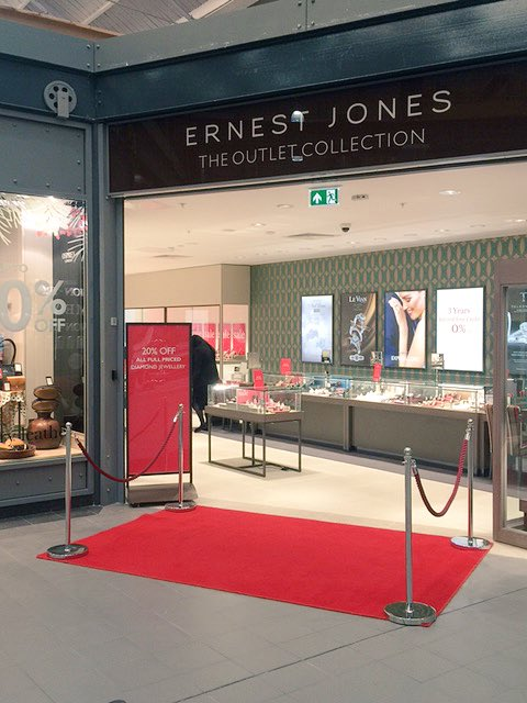 Our new @ejonesjewellers The Outlet Collection @McArthurGlenUK #swindonoutlet is open today #watches #diamonds #watches #offers #meettheteam <br>http://pic.twitter.com/SlV4CYShaU