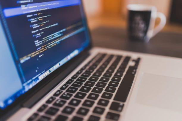 Pour devenir #ingénieur informatique, il est nécessaire d'apprendre à apprendre  http:// ow.ly/M1v83089fZ8  &nbsp;   #IT <br>http://pic.twitter.com/4QqLQLJPlB