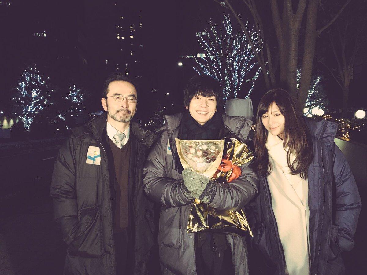 誕生日お祝いしていただきました!  極寒の中、長時間撮影後にみなさんにしてもらったサプライズなのに地…