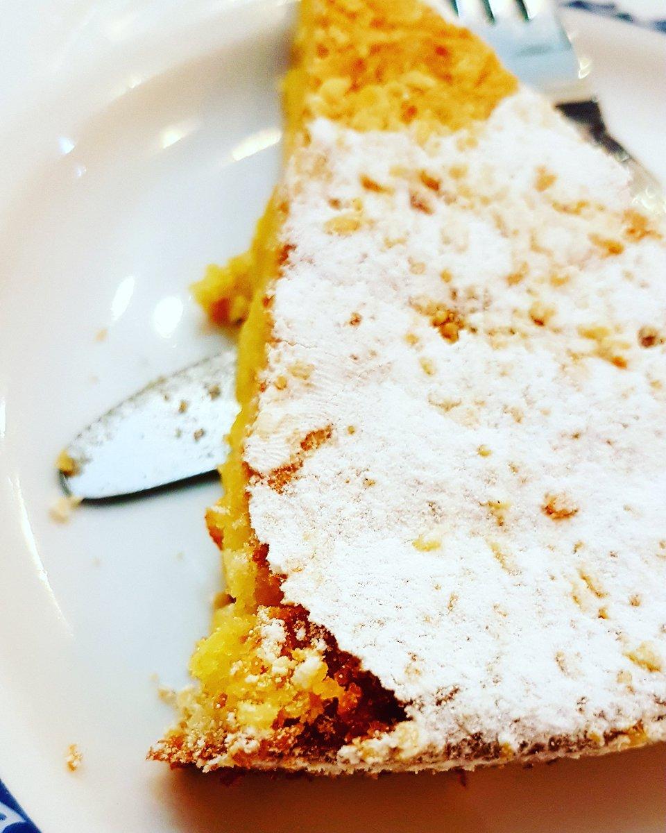 Tarta de Santiago #foodandculture #cocina #gallega #SouthernEurope #cuisine https://t.co/BnKxn4uxNH