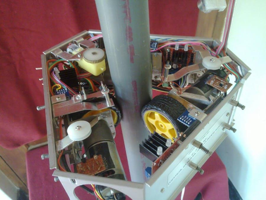 Vertical Pole Climbing Robot | Freetronics https://t.co/y4KMWGPVEc #Arduino #DIY #Robotics #Electronics https://t.co/yGsOBbuudN