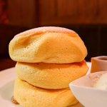 栃木県佐野市にある沙羅英慕舞莉茜珠さん[天使のパンケーキ]ふっわふわ生地が特徴の一口食べると幸せ感じ…