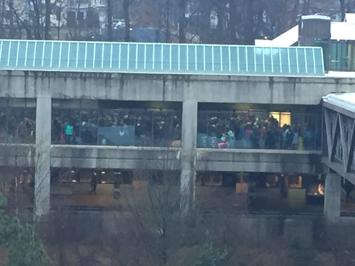 Springfield metro station packed before 8am. #WomensMarch #NBC4DC <br>http://pic.twitter.com/6Pq46UdVET