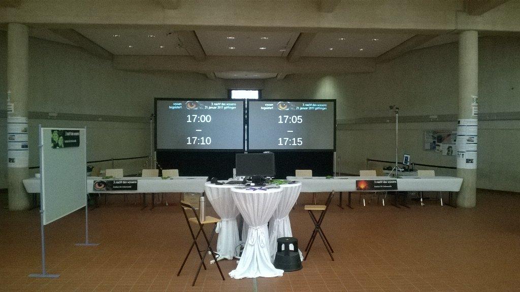 (Fast) alles ist vorbereitet. Virtual Reality auf der #ndwgoe kann losgehen. @ndw_goe https://t.co/Tu9st3BB50
