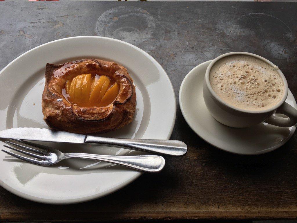 Late lunch in La Bergamote  in Chelsea. 遅い昼食。ここのペイ…